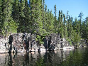 esngamii-lake-swimming